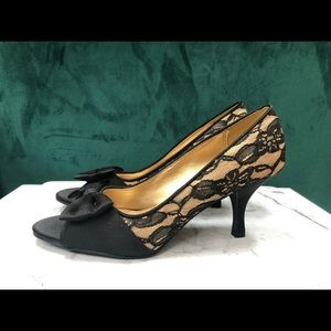 Fioni Lace and Bow Open Toe Heels